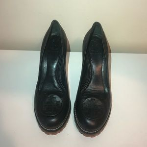 Tory Burch - Black leather Heels with Brown Sole